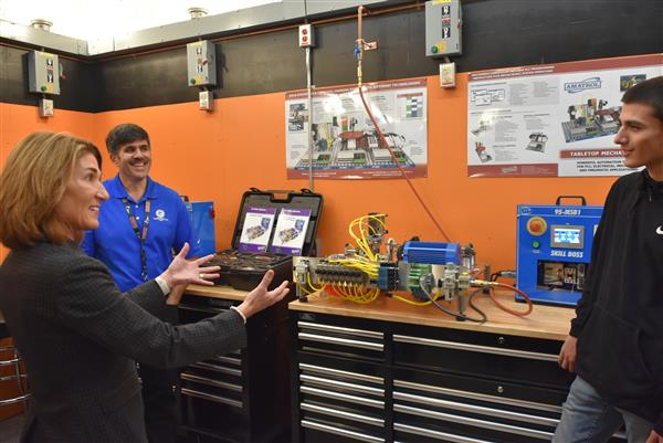 Lt. Governor Helps Monty Tech Celebrate Opening of A.R.M. Lab
